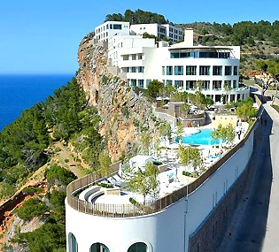 FRESH party, soul and motown live music Band Majorca at hotel Jumeirah in Puerto de Soller